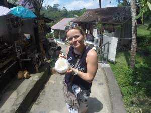 Coconut girl @ Gunung Kawi